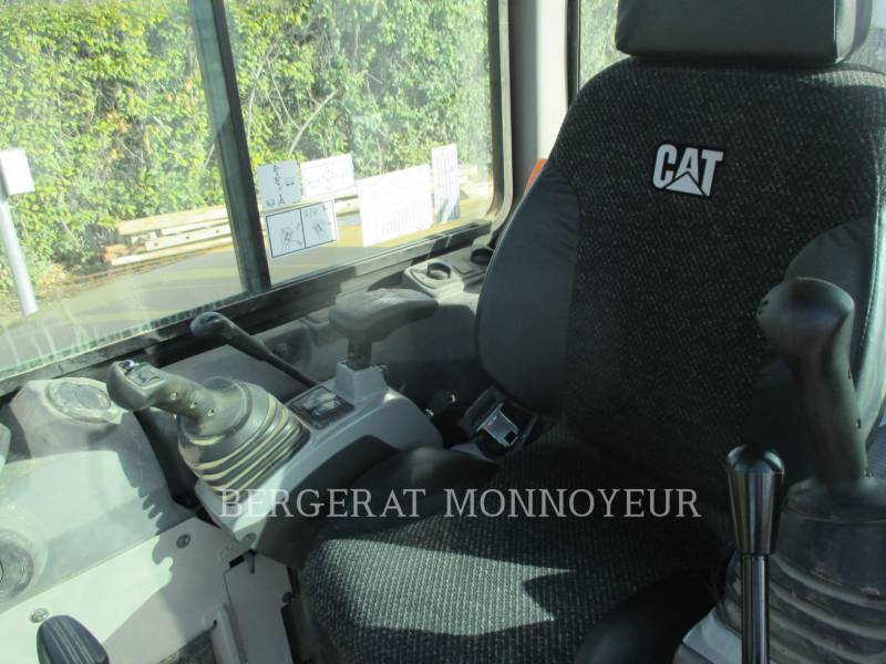 CATERPILLAR TRACK EXCAVATORS 305E2 equipment  photo 8