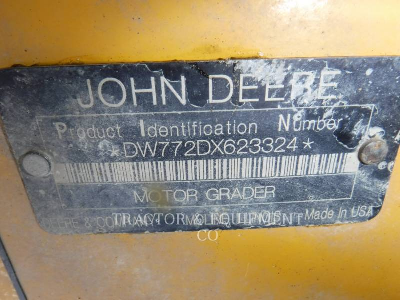 JOHN DEERE MOTOR GRADERS 772D equipment  photo 2