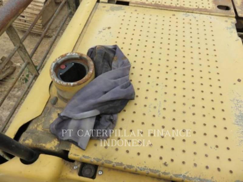 CATERPILLAR EXCAVADORAS DE CADENAS 320D equipment  photo 5