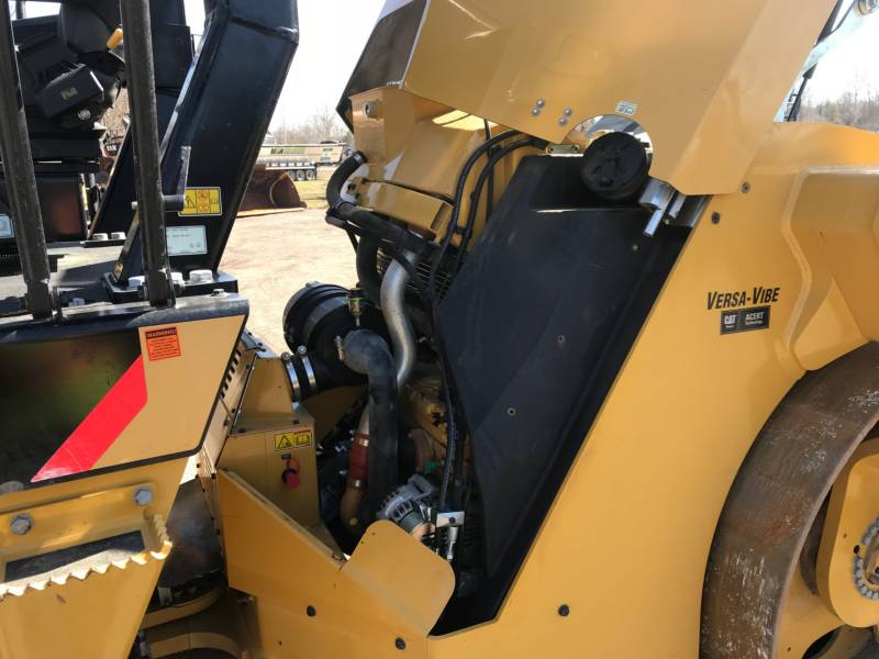 CATERPILLAR VIBRATORY DOUBLE DRUM ASPHALT CB54 equipment  photo 17
