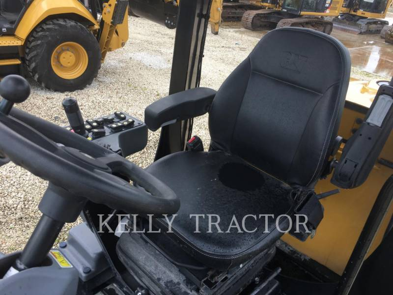 CATERPILLAR COMPACTEUR VIBRANT, MONOCYLINDRE LISSE CS44B equipment  photo 13