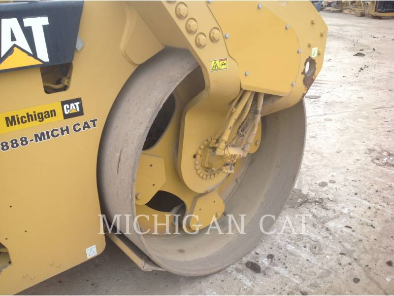 CATERPILLAR COMPATTATORE PER ASFALTO A DOPPIO TAMBURO VIBRANTE CB64 equipment  photo 19