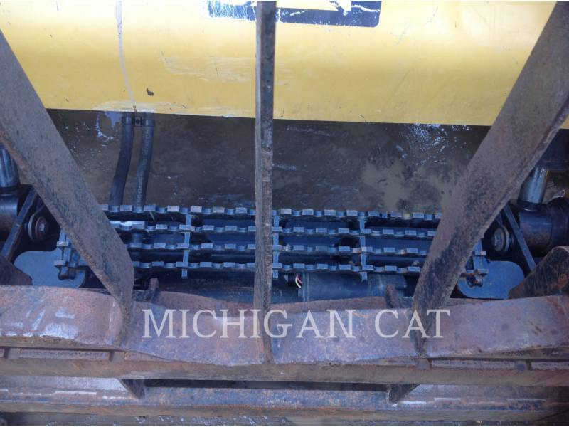 CATERPILLAR CHARGEURS COMPACTS RIGIDES 246D C2Q equipment  photo 12