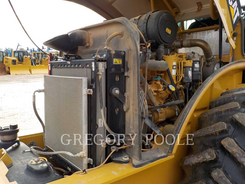 CATERPILLAR VIBRATORY SINGLE DRUM PAD CP-56B equipment  photo 23