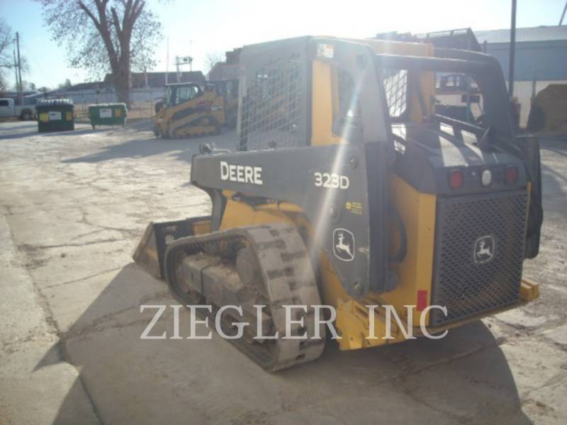 DEERE & CO. CHARGEURS TOUT TERRAIN 323D equipment  photo 4