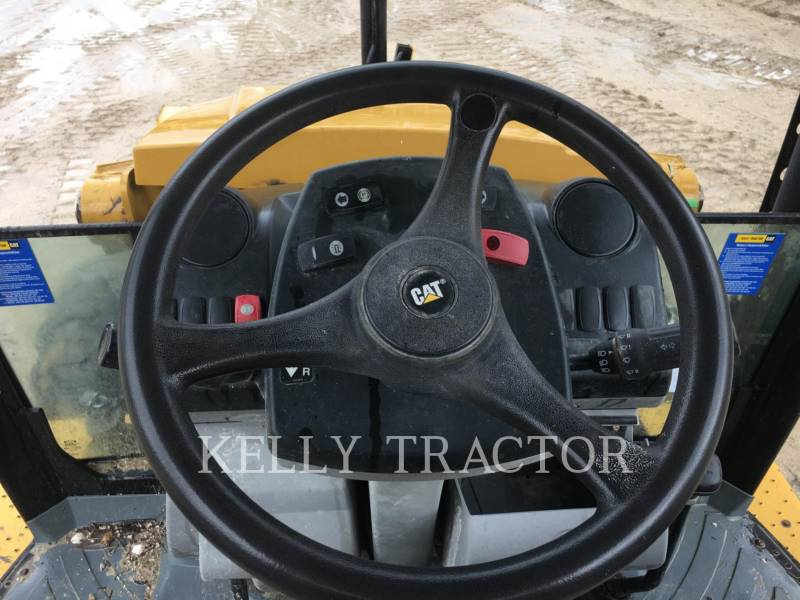 CATERPILLAR CHARGEUSES-PELLETEUSES 416FST equipment  photo 11