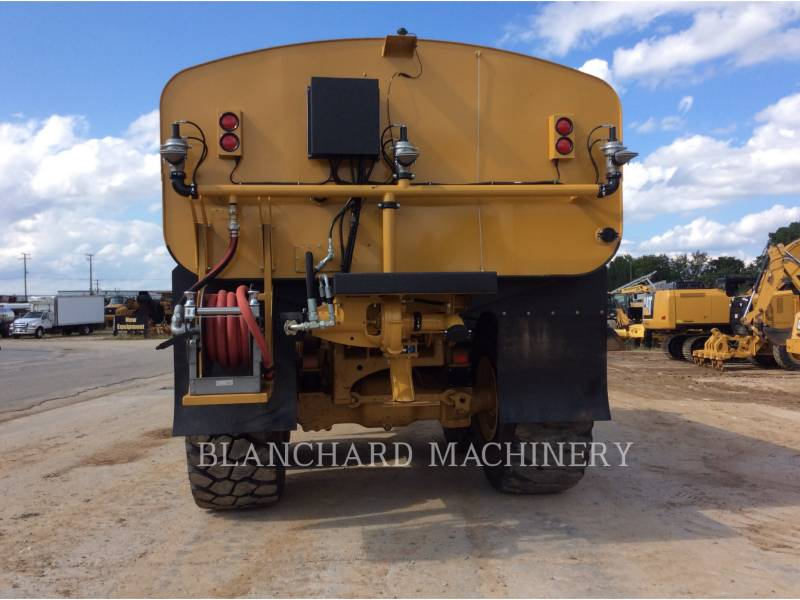 CATERPILLAR WATER TRUCKS 740B WT equipment  photo 6