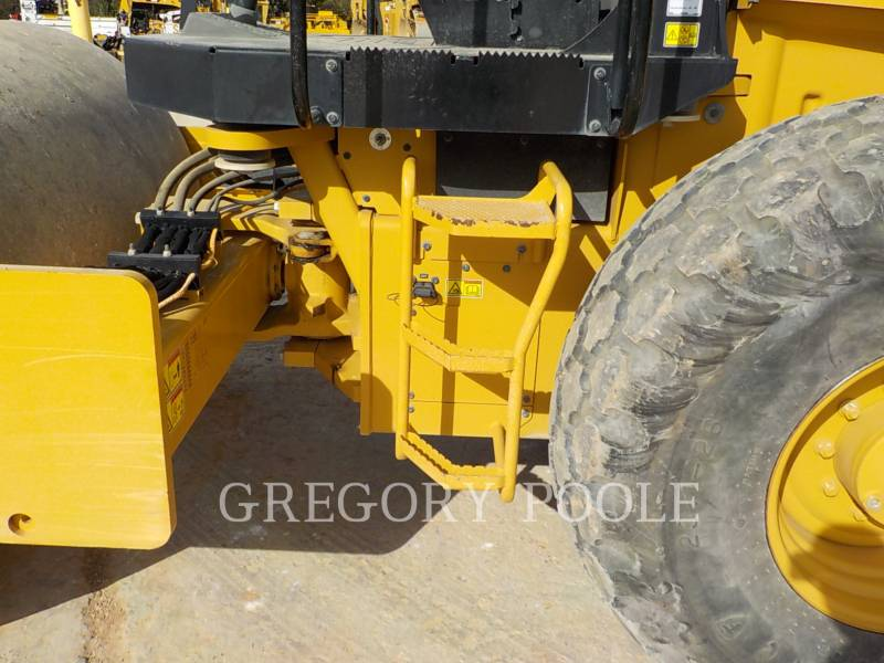 CATERPILLAR VIBRATORY SINGLE DRUM SMOOTH CS-54B equipment  photo 16