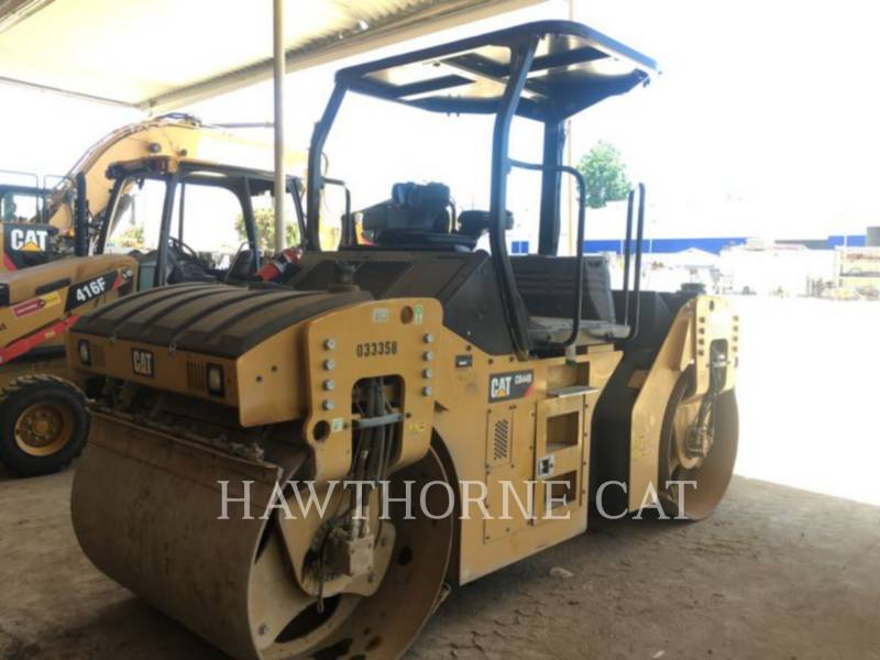 Caterpillar COMPACTOARE CB44B equipment  photo 1