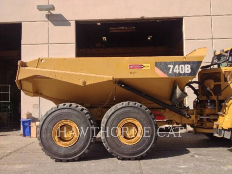 Caterpillar CAMIOANE CU BENĂ BASCULANTĂ 740B     V equipment  photo 7