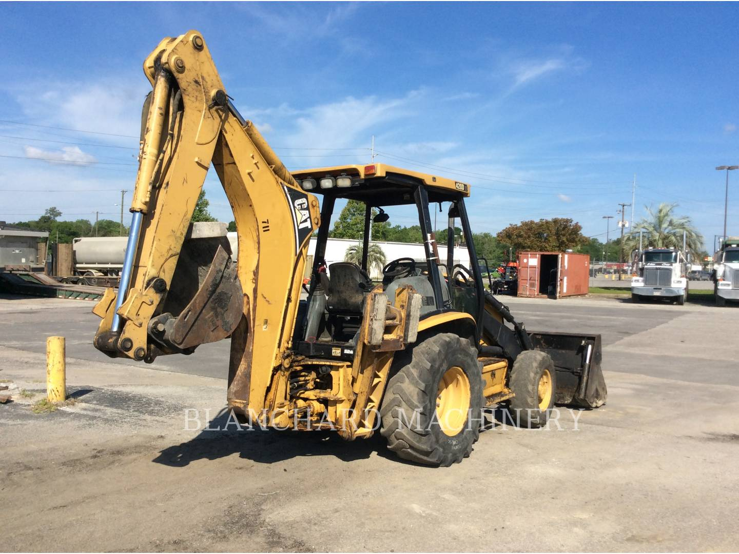 Detail photo of 2003 Caterpillar 420D from Construction Equipment Guide