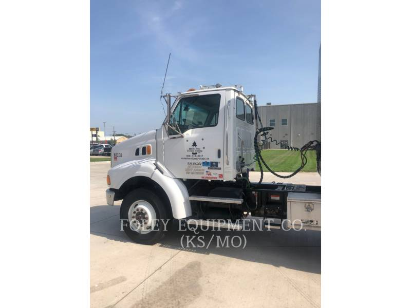 STERLING ON HIGHWAY TRUCKS L8500 equipment  photo 3
