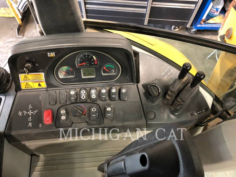 CATERPILLAR BACKHOE LOADERS 420F AR equipment  photo 8