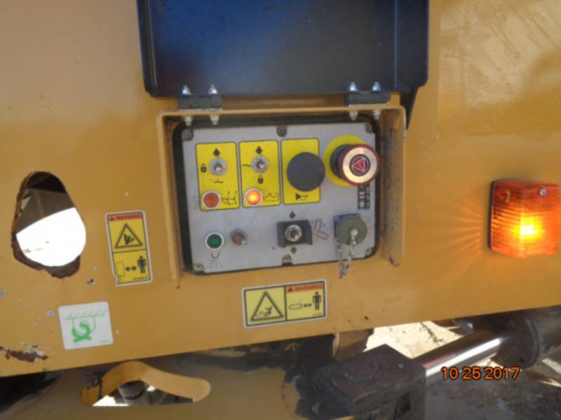 CATERPILLAR COLD PLANERS PM-200 equipment  photo 20