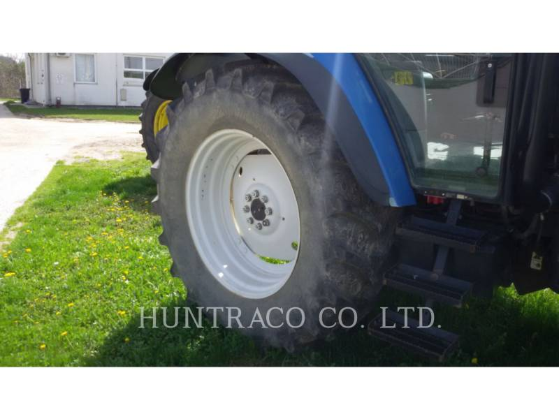 NEW HOLLAND LTD. TRACTORES AGRÍCOLAS TS115 equipment  photo 7