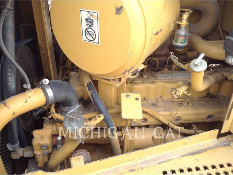 CATERPILLAR TRACK TYPE TRACTORS D6RXL equipment  photo 21