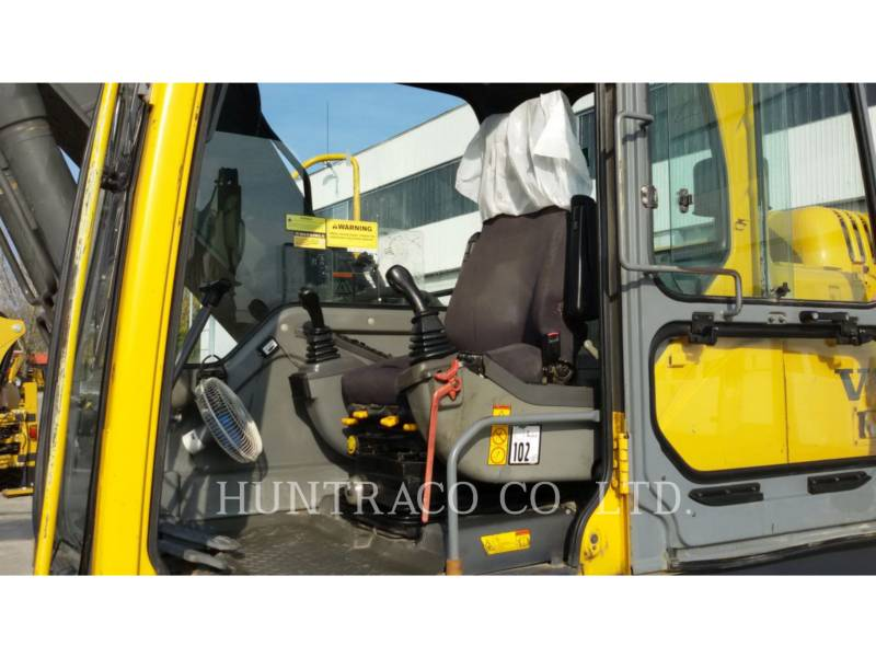 VOLVO TRACK EXCAVATORS EC210BLC equipment  photo 14