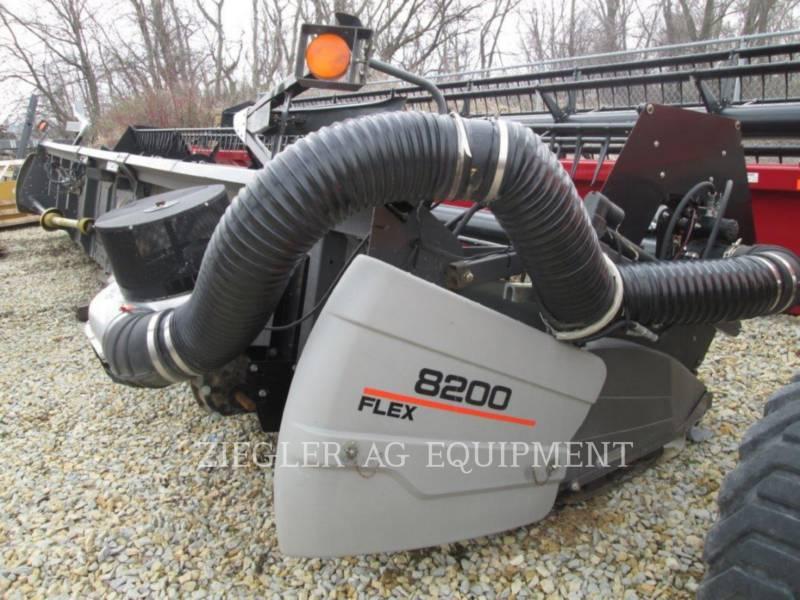 GLEANER HEADERS 8200-30 equipment  photo 1