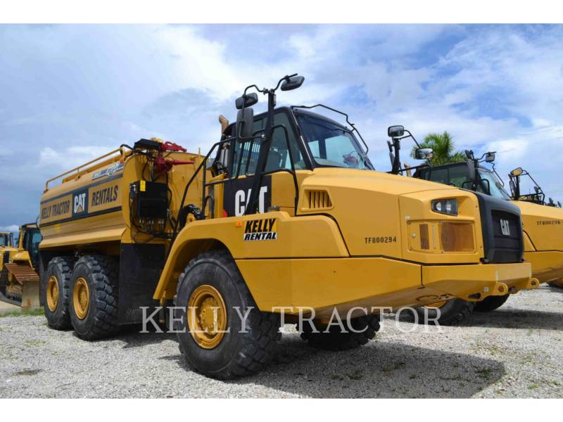 CATERPILLAR CAMIONES DE AGUA 725C equipment  photo 1