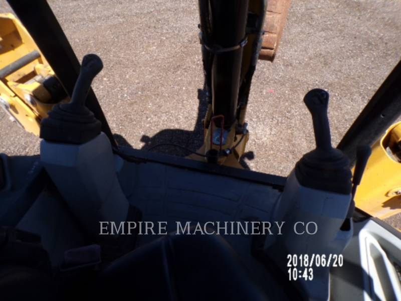 CATERPILLAR CHARGEUSES-PELLETEUSES 420F equipment  photo 7