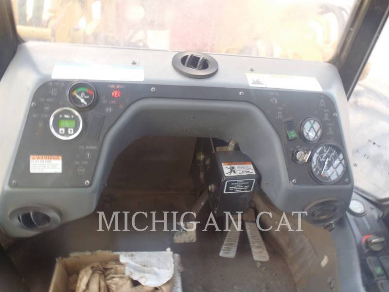 CATERPILLAR FOREST MACHINE 553 equipment  photo 14
