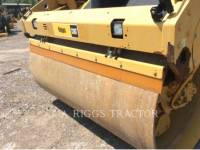 CATERPILLAR TRILLENDE DUBBELE TROMMELASFALTEERMACHINE CB64 equipment  photo 16