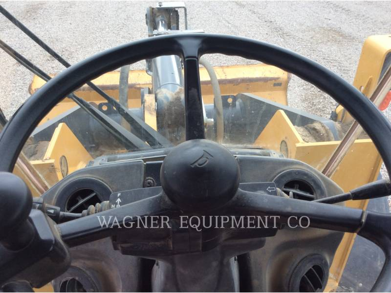 DEERE & CO. WHEEL LOADERS/INTEGRATED TOOLCARRIERS 624K equipment  photo 12