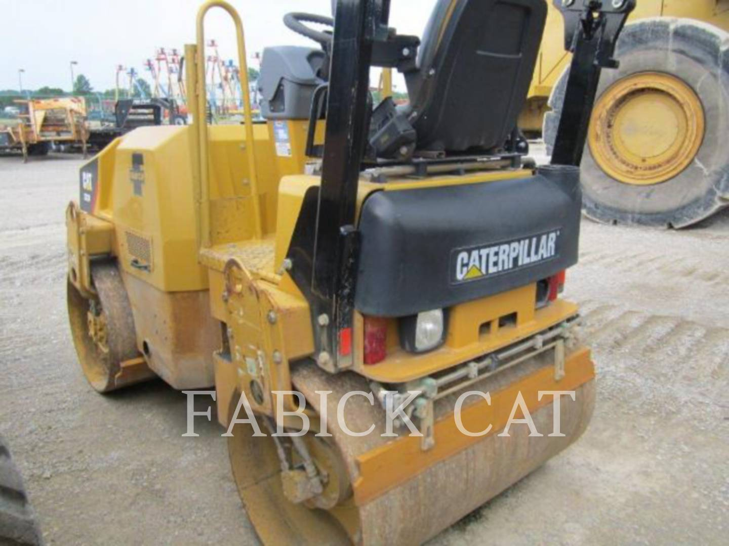 Detail photo of 2009 Caterpillar CB24 from Construction Equipment Guide