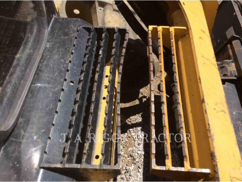CATERPILLAR CARGADORES MULTITERRENO 289D AH equipment  photo 16
