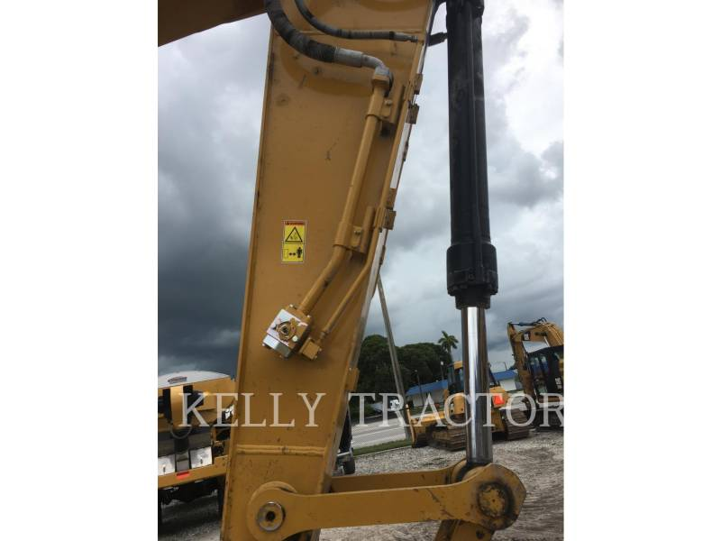 CATERPILLAR TRACK EXCAVATORS 320FL equipment  photo 14