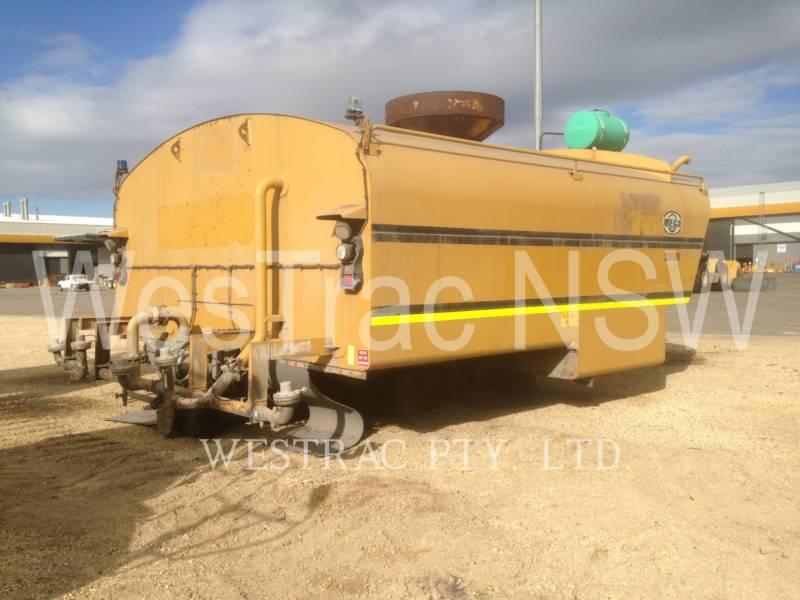CATERPILLAR WATER TRUCKS 777D equipment  photo 9