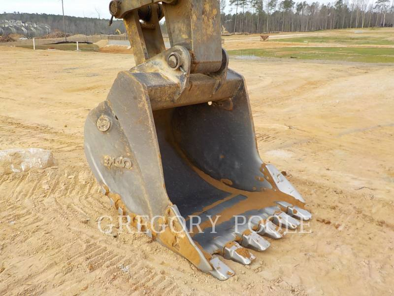 JOHN DEERE EXCAVADORAS DE CADENAS 330C LC equipment  photo 19