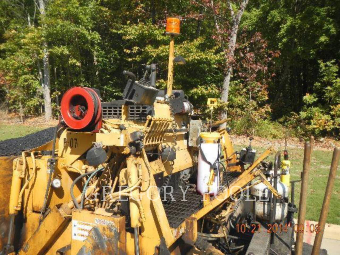 Detail photo of 2006 LeeBoy L8510T from Construction Equipment Guide