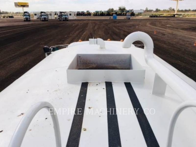 NEW HOLLAND CAMIONES DE AGUA 2K TRUCK equipment  photo 10