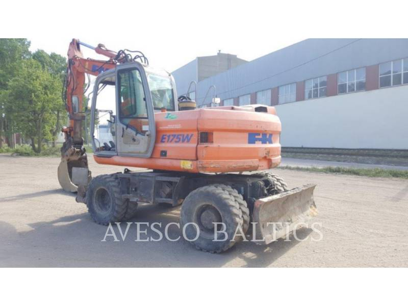 FIAT KOBELCO PELLES SUR PNEUS E175 WT equipment  photo 4