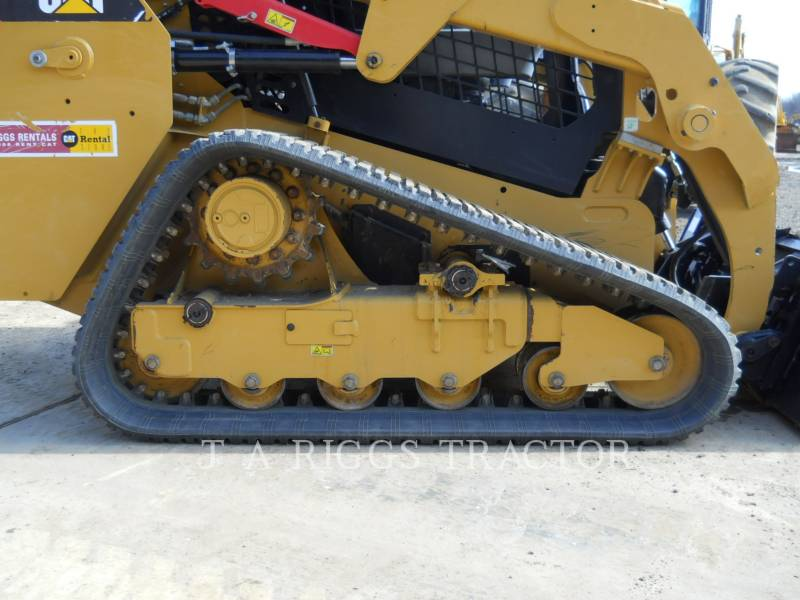 CATERPILLAR MULTI TERRAIN LOADERS 239D equipment  photo 11