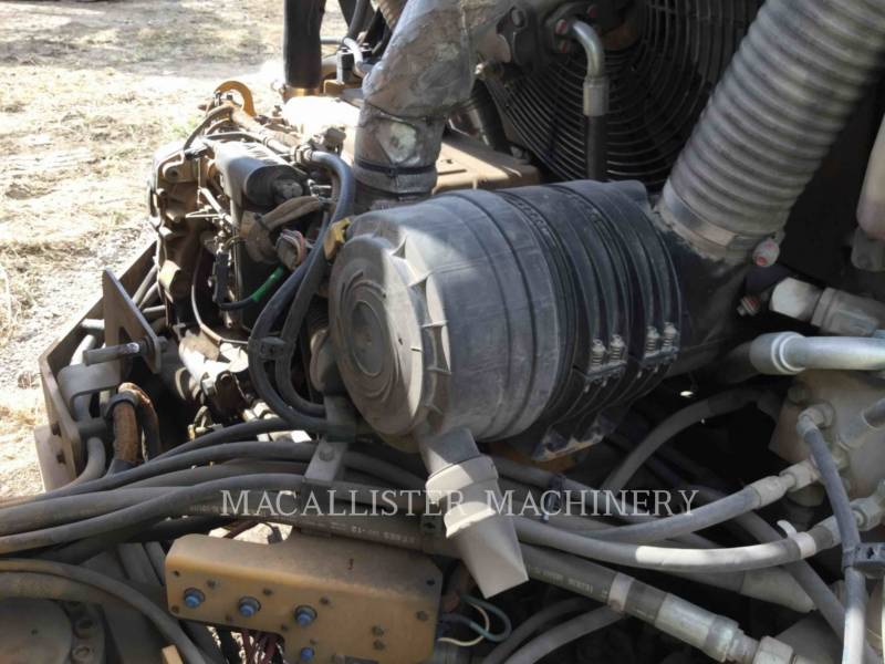 CATERPILLAR ROLO COMPACTADOR DE ASFALTO DUPLO TANDEM CB-534DXW equipment  photo 8
