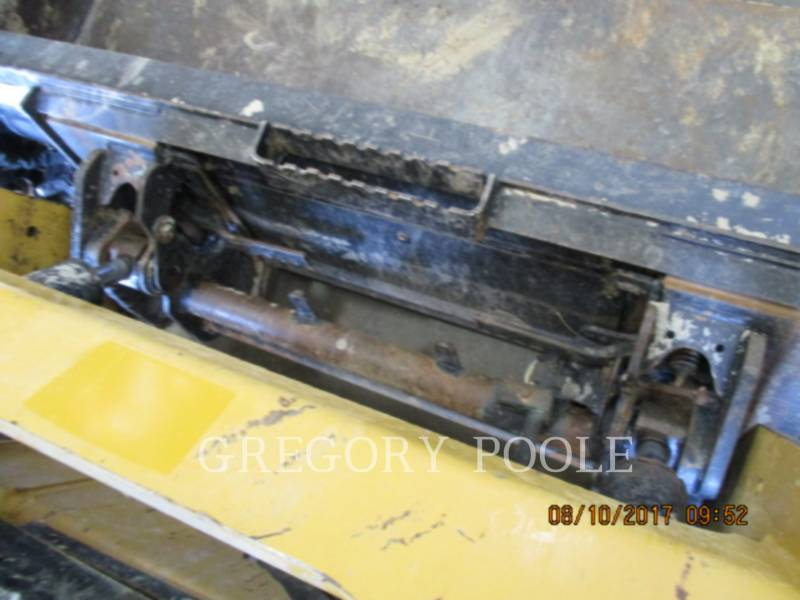 CATERPILLAR CARGADORES MULTITERRENO 259D equipment  photo 8