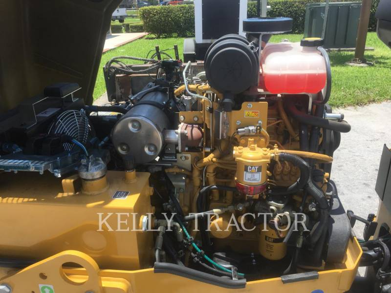 CATERPILLAR TAMBOR DOBLE VIBRATORIO ASFALTO CB 22 B equipment  photo 10