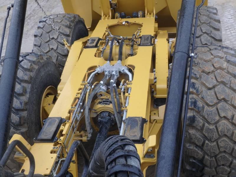 CATERPILLAR KNICKGELENKTE MULDENKIPPER 745C equipment  photo 10