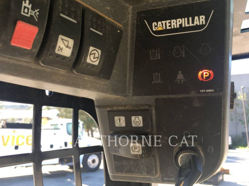 CATERPILLAR SKID STEER LOADERS 226B3 equipment  photo 14