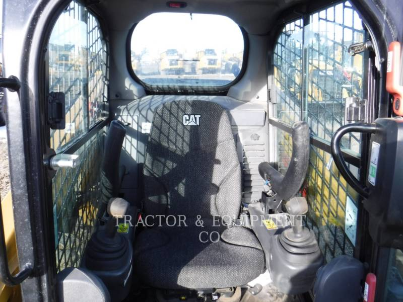 CATERPILLAR SKID STEER LOADERS 236D H2CB equipment  photo 4