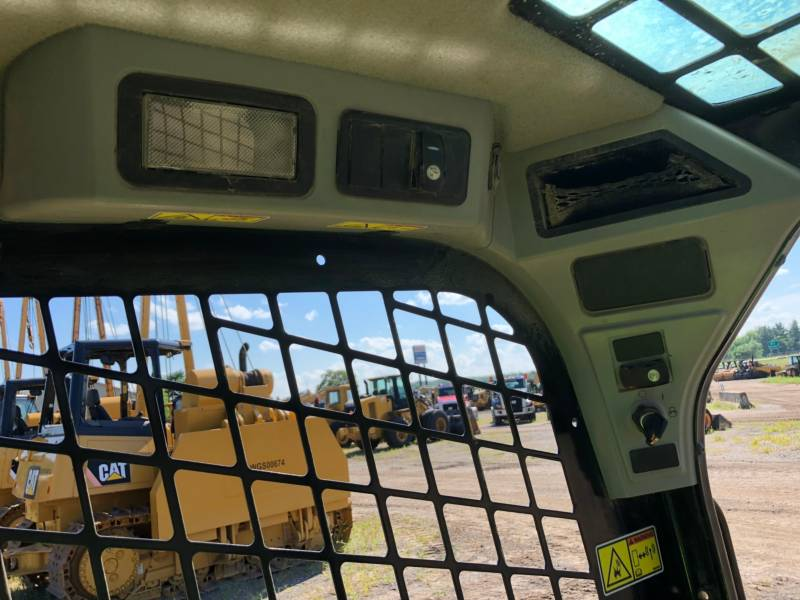 CATERPILLAR CHARGEURS COMPACTS RIGIDES 236 D equipment  photo 19