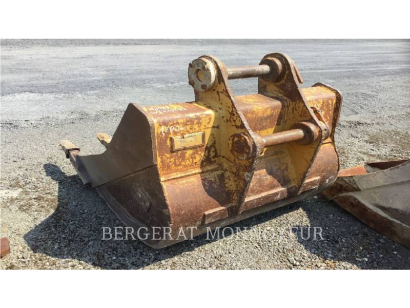 CATERPILLAR ESCAVATORI GOMMATI M316D equipment  photo 11