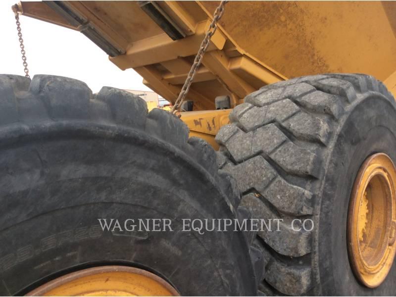 CATERPILLAR KNICKGELENKTE MULDENKIPPER 740 equipment  photo 16