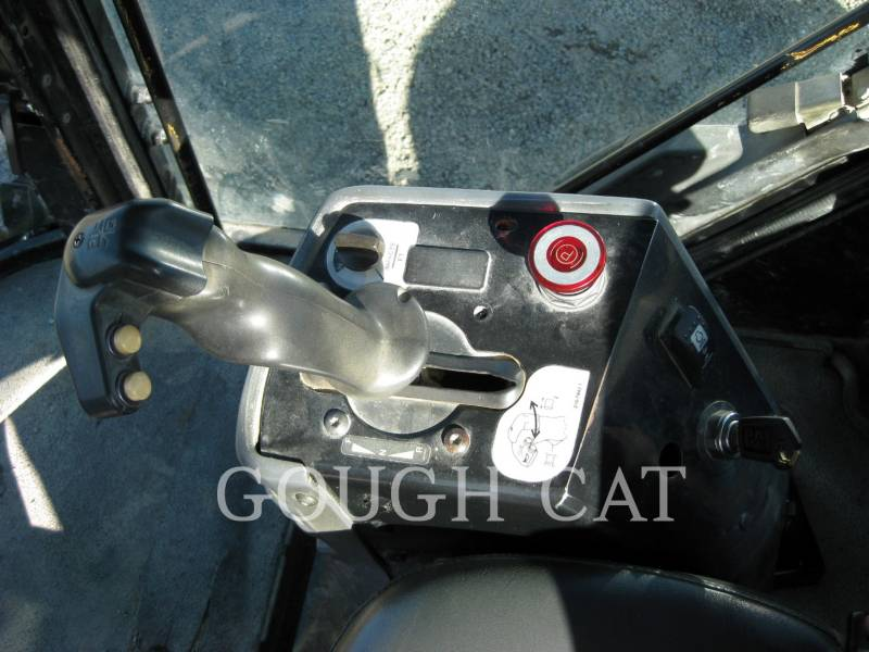 CATERPILLAR VIBRATORY DOUBLE DRUM ASPHALT CB-434D equipment  photo 22