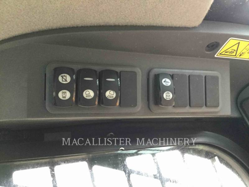 CATERPILLAR KOMPAKTLADER 272D equipment  photo 13