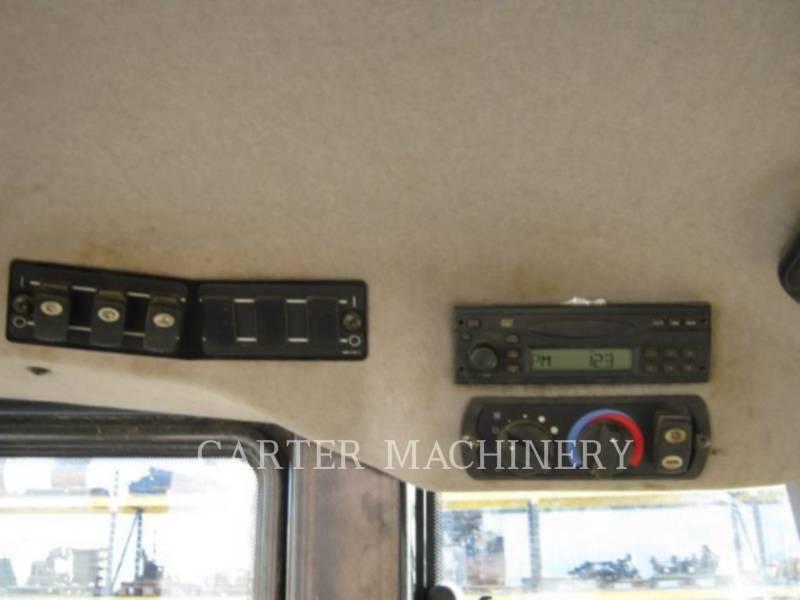 CATERPILLAR 履帯式ローダ 963D equipment  photo 13
