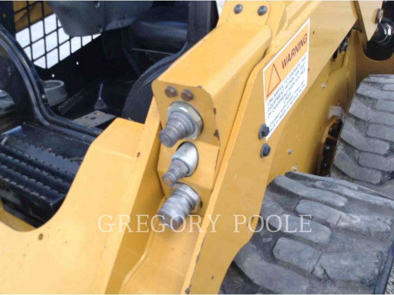 CATERPILLAR KOMPAKTLADER 236D equipment  photo 13