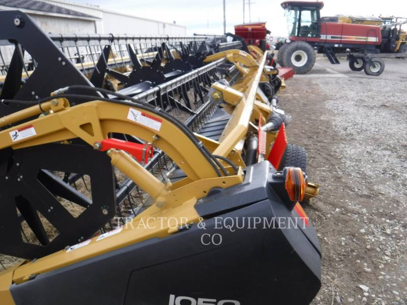 LEXION COMBINE  COMBINE HEADER 1050 equipment  photo 3